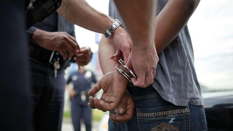 """اعتقال طالب حاول تفجير مدرسته """"أسوة"""" بسفاح فلوريدا!"""