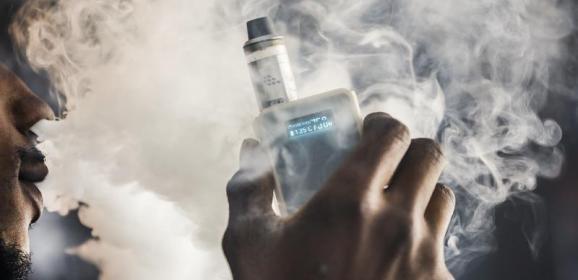 دراسة: السجائر الإلكترونية قد تضر الرئتين حتى دون نيكوتين