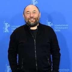 روسي يعتزم إخراج فيلم سينمائي بمساعدة الذكاء الاصطناعي