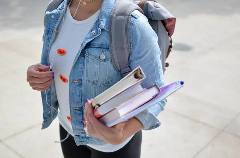 Verbi di moto russi senza prefissi: Andare a scuola a piedi o con mezzo?