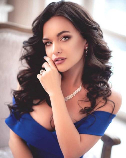 Victoria russian bridesmaid
