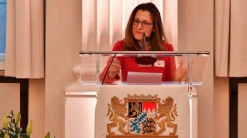 Глава МИД Канады о дискриминации на Украине узнала от Лаврова