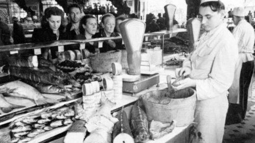Почему при Сталине прилавки были полны продуктов и товаров