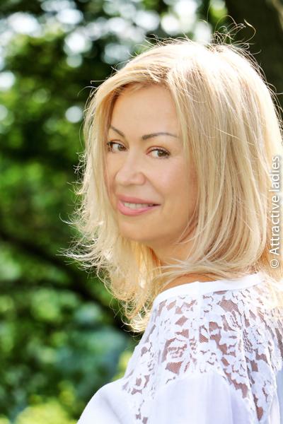blonde russian women