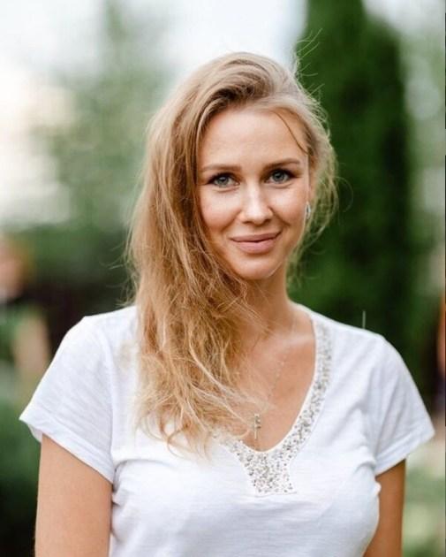 Yuliia the russians runaway bride epub