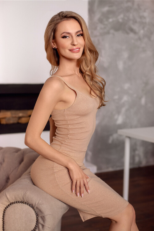 Lucy russian brides gallery