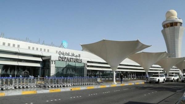 Абу-Даби отменяет разрешения на влет для резидентов