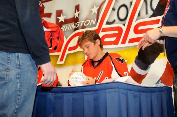 Alex Semin signs autographs at Caps Convention