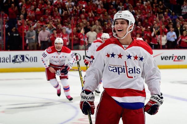 andre-burakovsky-first-nhl-goal-smile