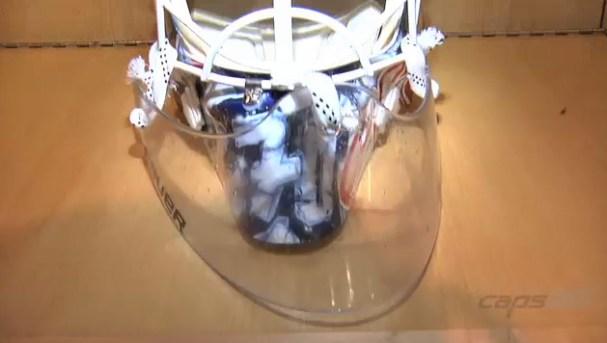 braden-holtby-new-mask-70