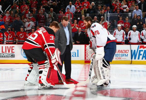brodeur-holtby-faceoff