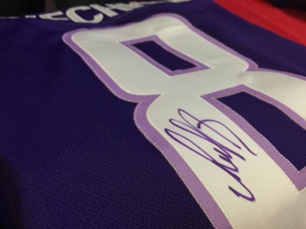 caps-purple-jerseys3