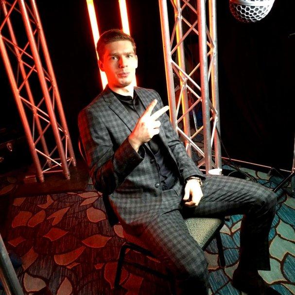 evgeny-kuznetsov-checkered-suit