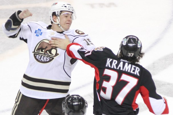 hershey-bears-michael-latta-fight-3