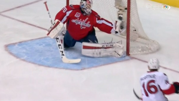 holtby-glove-save-sens1