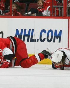 Brooks Laich has a monster day as the Caps win 5-3 over the Flyers. (AP Photo)