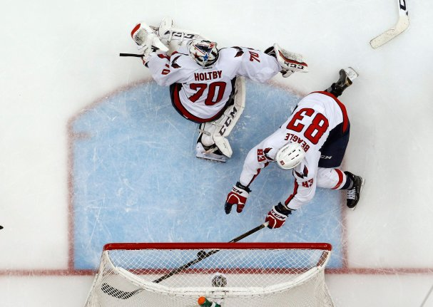 jay-beagle-diving-save