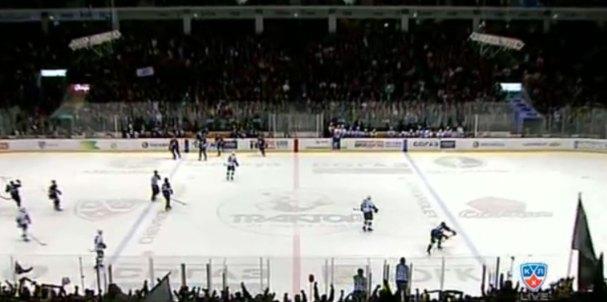 kuznetsov-takes-pot-shot