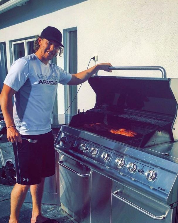 nicklas-backstrom-grilling