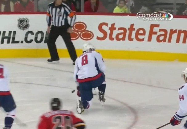 ovechkin-blocks-shot-with-wrist