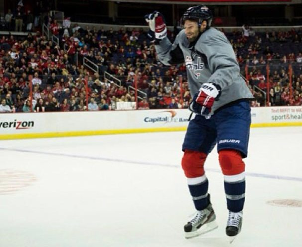 Troy Brouwer does Gangnam Style Dance
