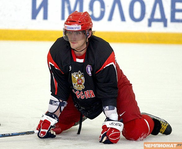 Alex Ovechkin stretching during practice