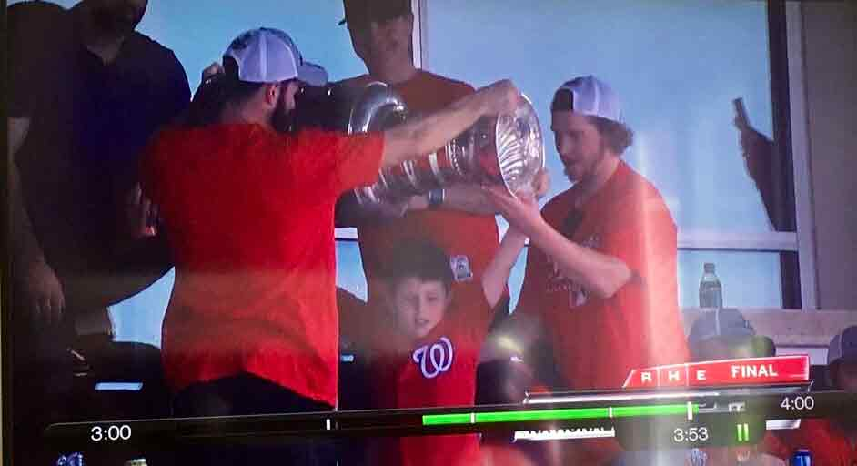 Andy raises Stanley Cup