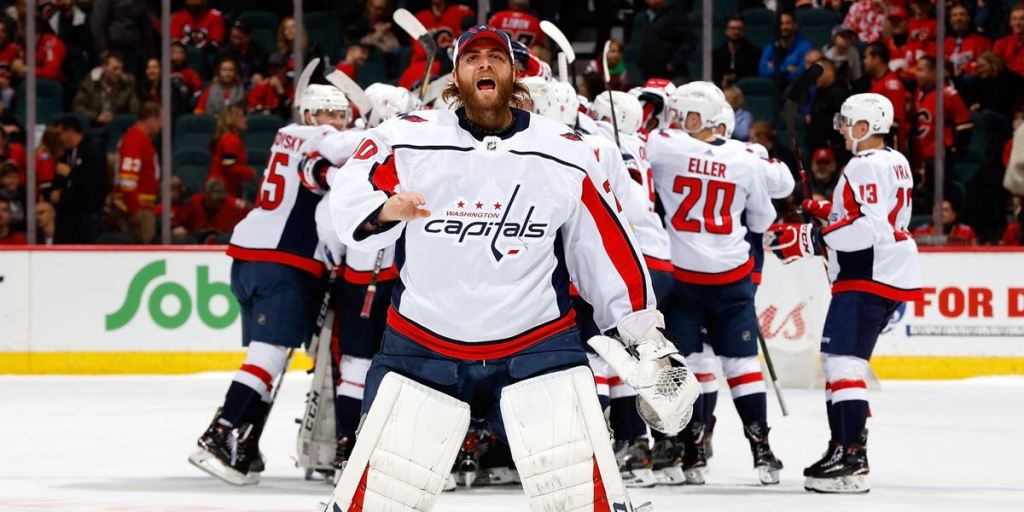 Braden Holtby Gets Milestone Puck For Pheonix Copley As Goaltender Celebrates First Nhl Winrmnb