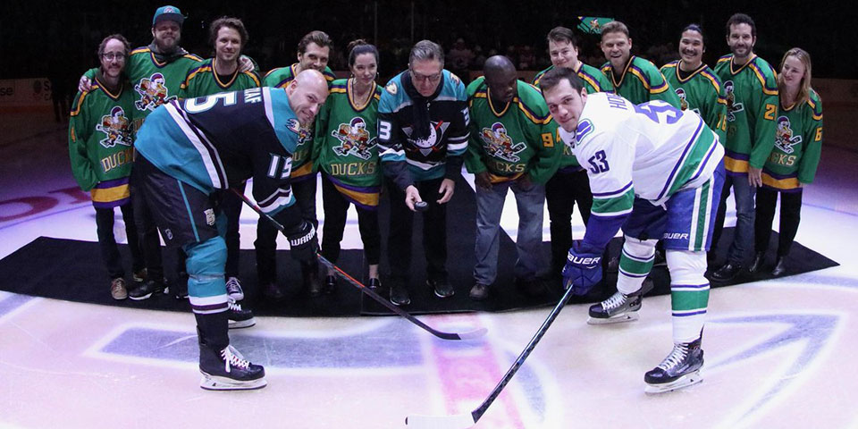 uk availability f2b32 4a113 The Anaheim Ducks celebrated the original Mighty Ducks with ...