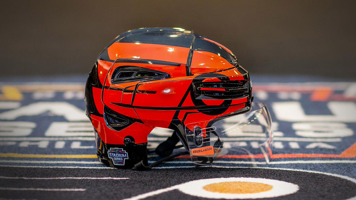 quality design ebb61 cef9f The Pittsburgh Penguins' and Philadelphia Flyers' helmets ...