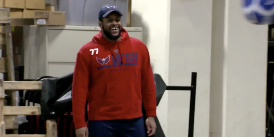 quality design d8636 7d910 Win it for Osh: Devante Smith-Pelly wore TJ Oshie's hoodie ...