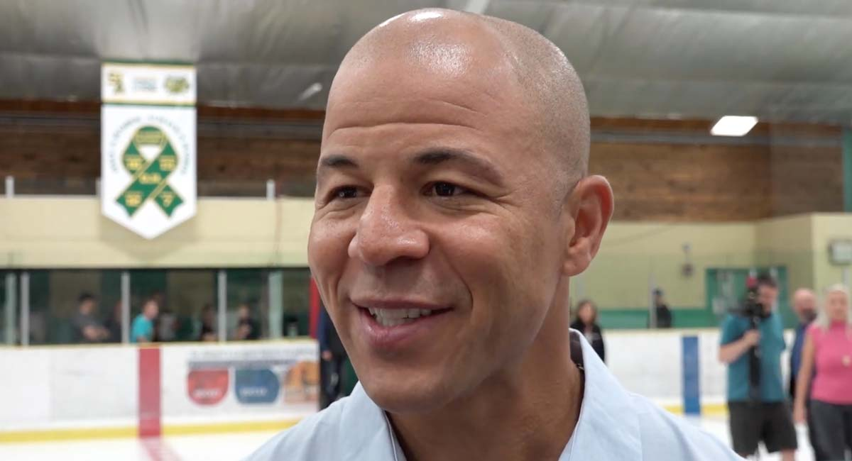 Boston TV station appears to unknowingly interview Jarome Iginla during snowstorm coverage