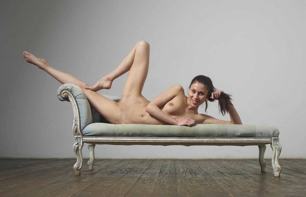 Think, Girls gymnastics legs spread nn