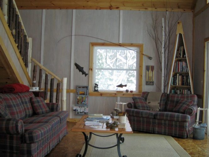 Decorating With Vintage Skiing And Fishing Equipment Americana Décor Upcycling Ideas Gac