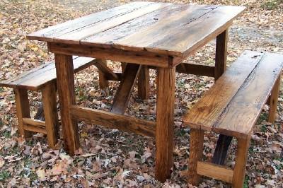 small family table 4×3 seats 2-4