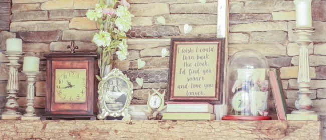 Valentine's Day Fireplace Mantle & FREE Printable!