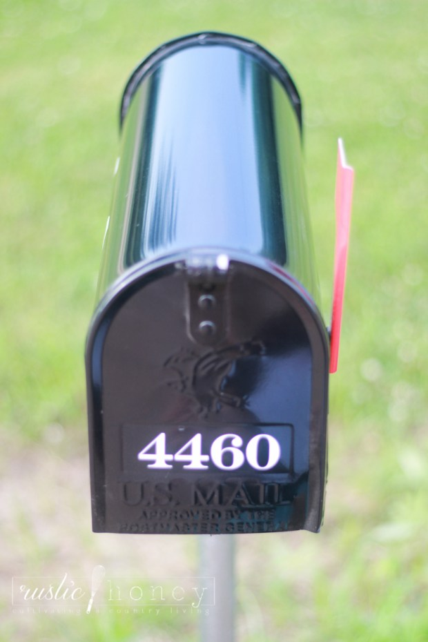 Custom-Mailbox-Free-Silhouette-File (2 of 11)