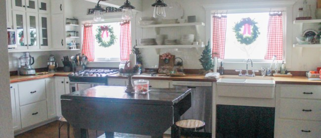 farmhouse-christmas-tour-2-of-37