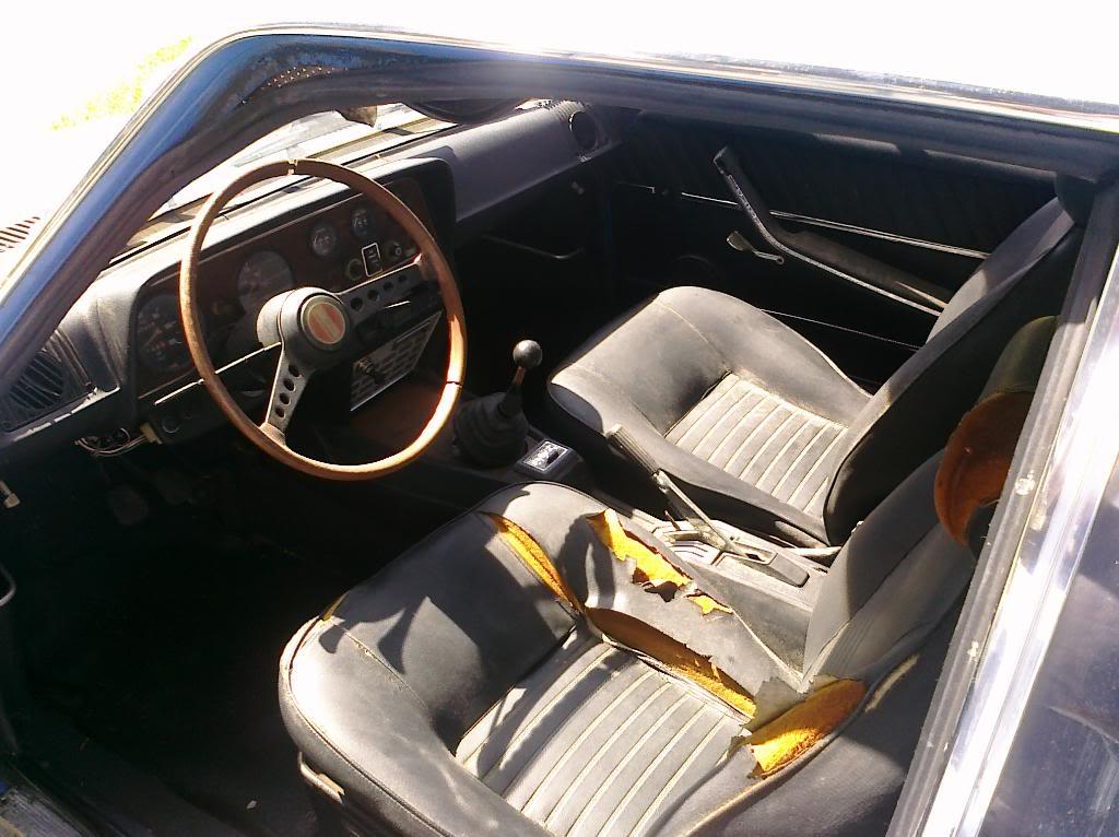 1969 Fiat 124 Coupe interior