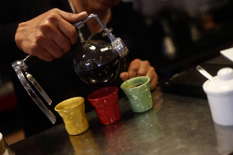 Café recién tostado con un delicioso sabor en taza. (Foto: Renzo Salazar)