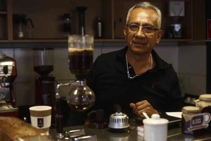 Apasionado por el café, Waldino nos prepara diversos métodos. (Foto: Renzo Salazar)