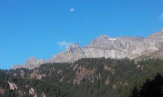 la luna que se va de madrugada.