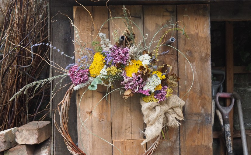 A morning of dried flower arranging – workshop SOLD OUT