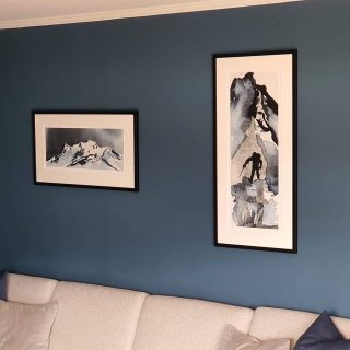 'Rom for tid' + 'To the Top' + jotun Industrial Blue = Sant!🤩 Tusen takk Renathe for nydelig bilde fra hjemmet deres! 🥰@ho.nathe ❤️ #rutheart_fargematch #rutheart_home #rutheart_tothetop #rutheart_romfortid #rutheart #jotunlady #industrialblue