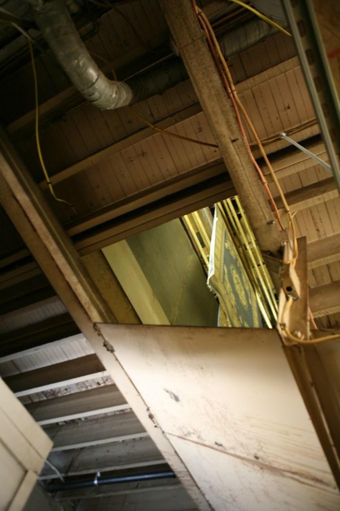 Hanging-Carpet-Drying