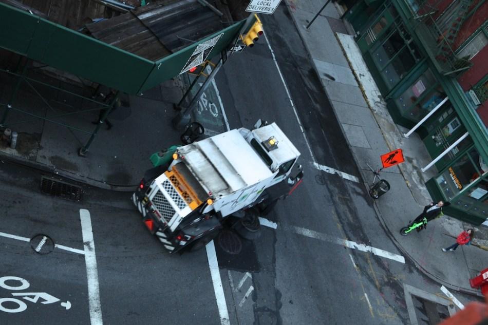 street sweeper turn the corner