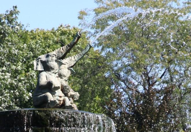 elephants fountain