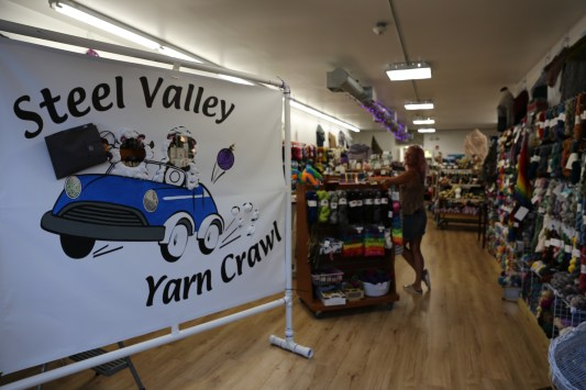 Come get your photo taken to remember the Steel Valley Yarn Crawl