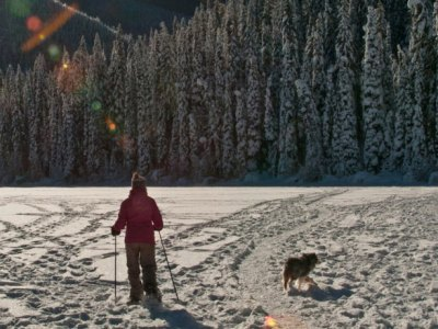 Frozen Ruth Lake for snowshoeing