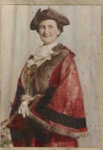 Mayor Cllr Ruth Winston MBE.